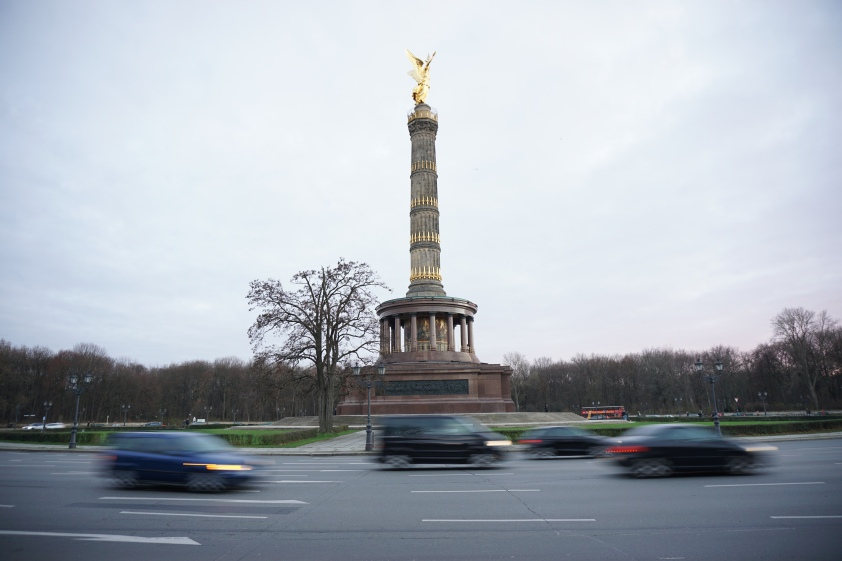 Victory column, English